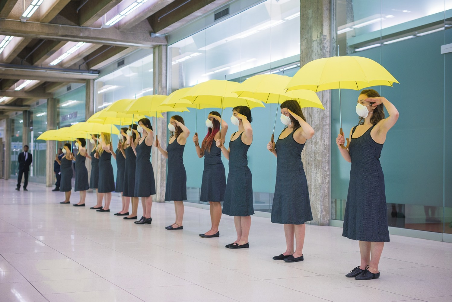 PERFORMANCE // The Yellow Umbrella – An Unfinished Conversation